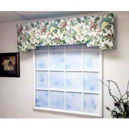 Upholstered Padded Cornice